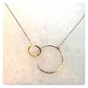 Stella & Dot necklace. Silver and gold style
